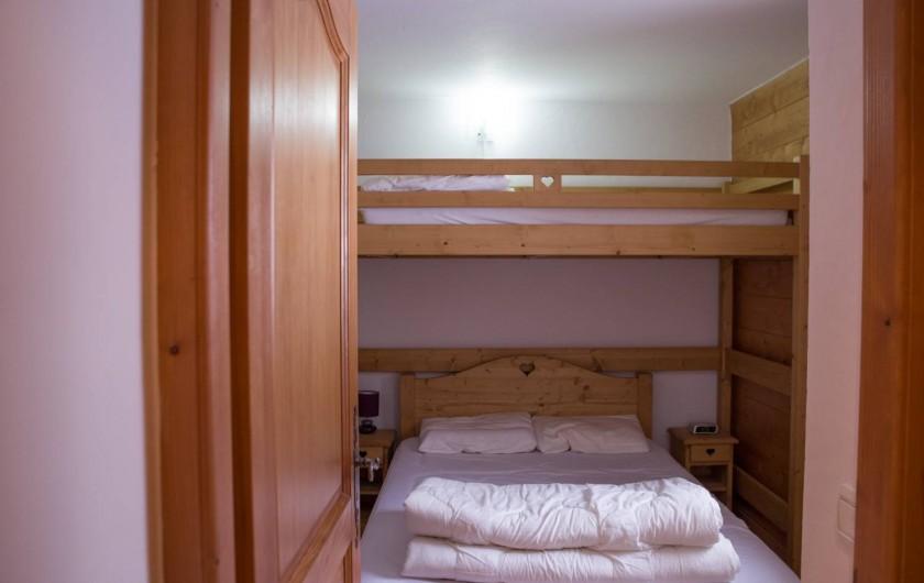 Location de vacances - Appartement à Les Carroz d'Arâches - chambre lit double avec mezzanine