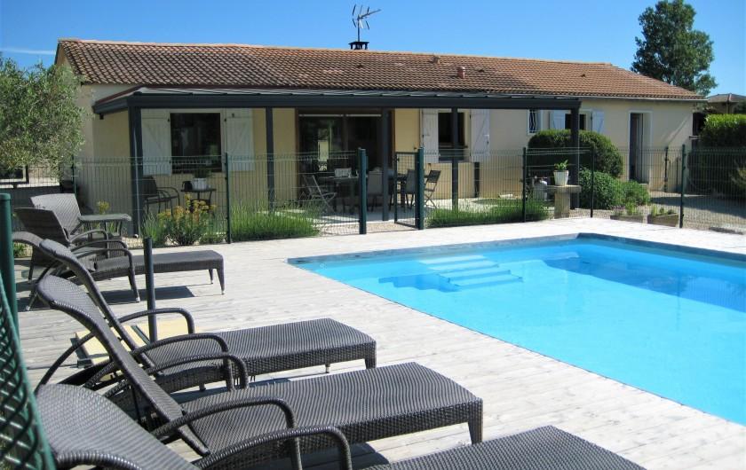 Location de vacances - Villa à Saint-Jean-de-Maruéjols-et-Avéjan - Terrasse