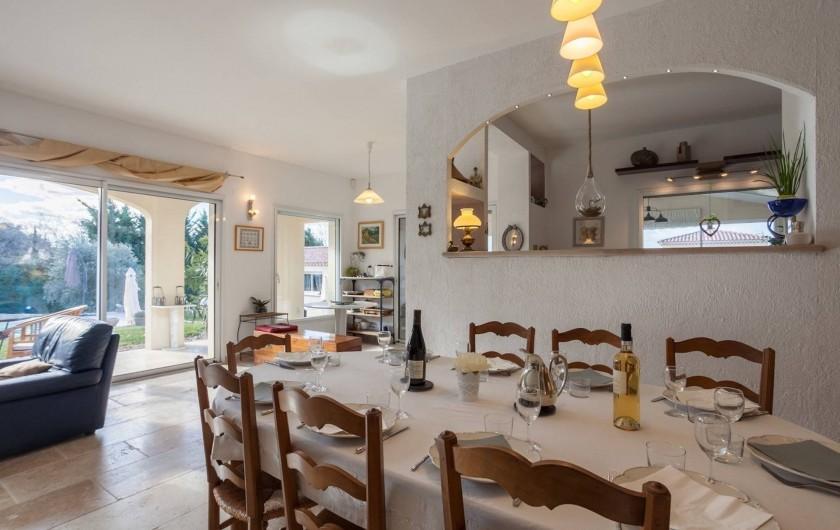 Location de vacances - Villa à L'Isle-sur-la-Sorgue - salle à manger