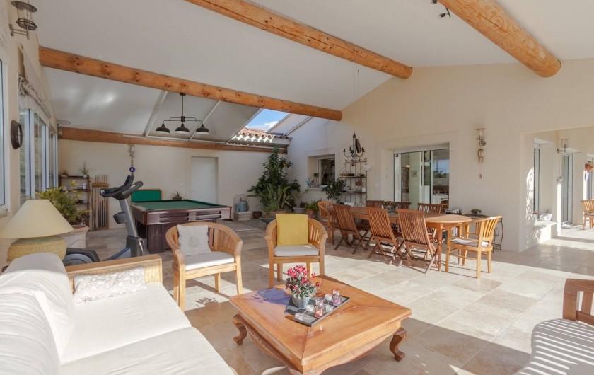 Location de vacances - Villa à L'Isle-sur-la-Sorgue - salon d'été