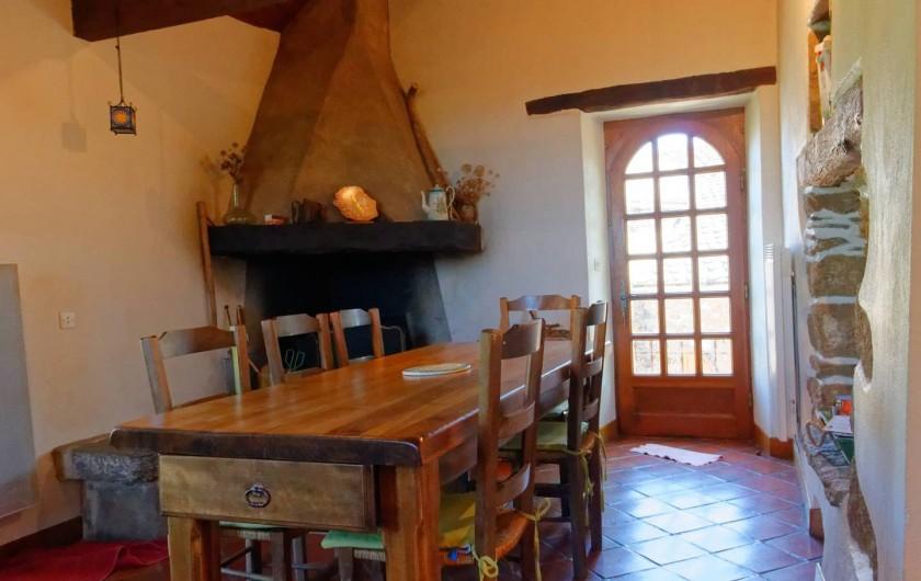 Location de vacances - Gîte à Saint-Victor-et-Melvieu - CHEMINEE