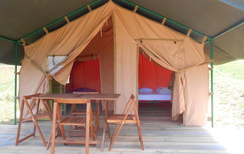 Location de vacances - Insolite à Labarre - Une des 6 tentes