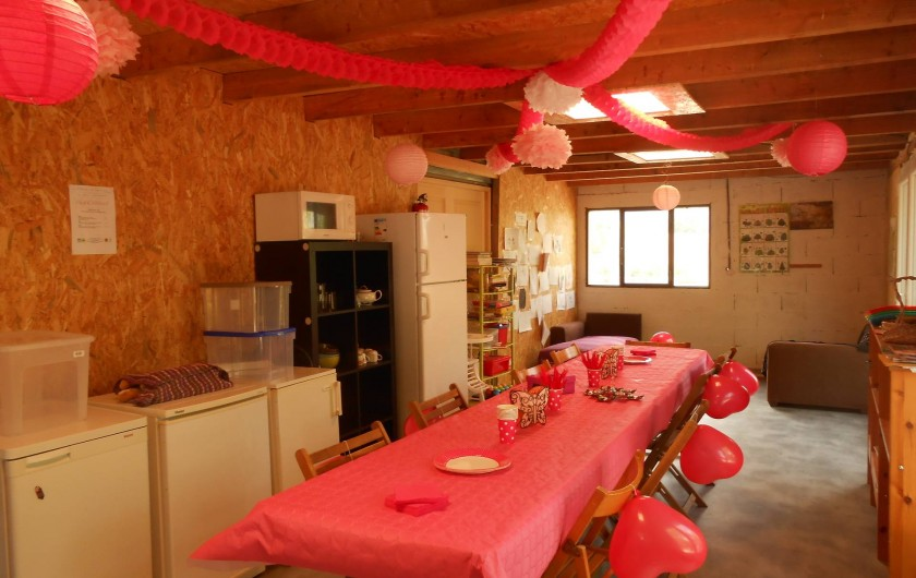 Location de vacances - Insolite à Labarre - La cuisine partagée , un jour de fête!