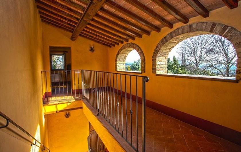 """Location de vacances - Chambre d'hôtes à Arezzo - Vue de l'intérieur de """"Dimora il Borgo"""""""