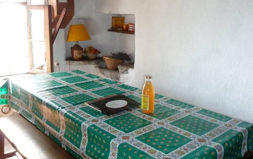 Location de vacances - Mas à Saint-Roman-de-Codières - La salle à manger, coin repas