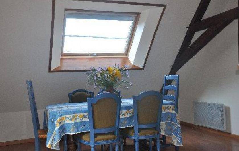 Location de vacances - Gîte à Grenoble - salle à manger
