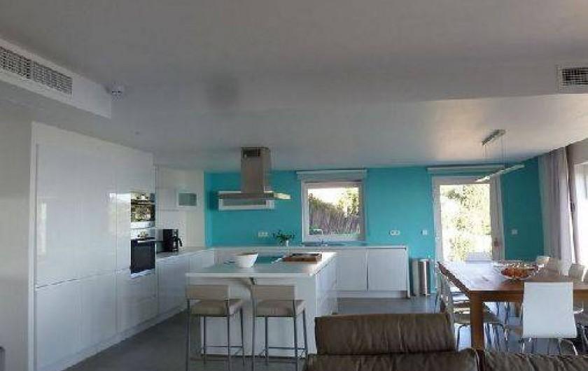 Location de vacances - Villa à Rayol-Canadel-sur-Mer - Espace cuisine-salle à manger