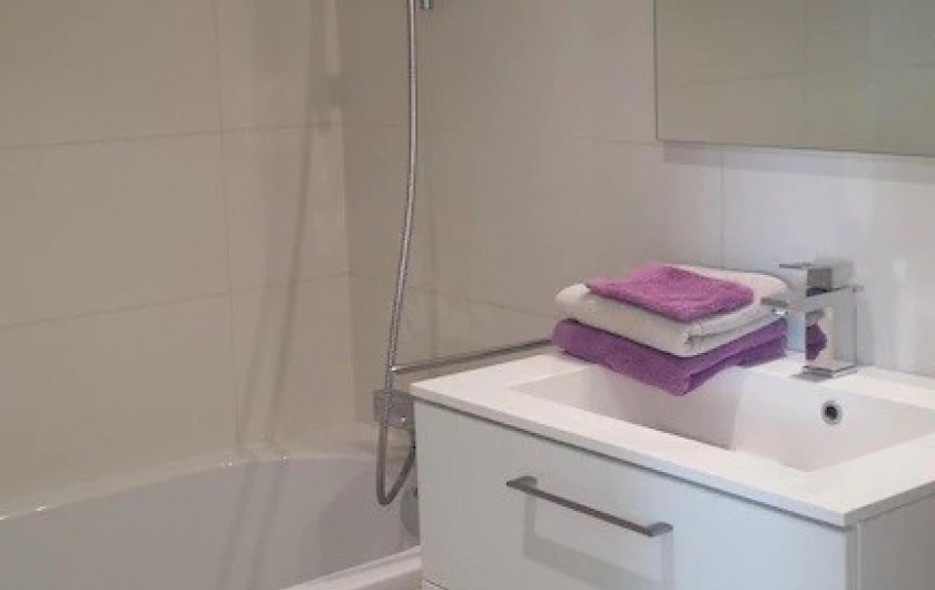 Location de vacances - Villa à Rayol-Canadel-sur-Mer - Salle de bain étage