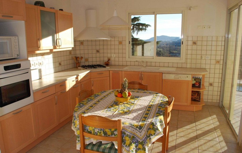 Location de vacances - Villa à La Roquette-sur-Siagne - Cuisine