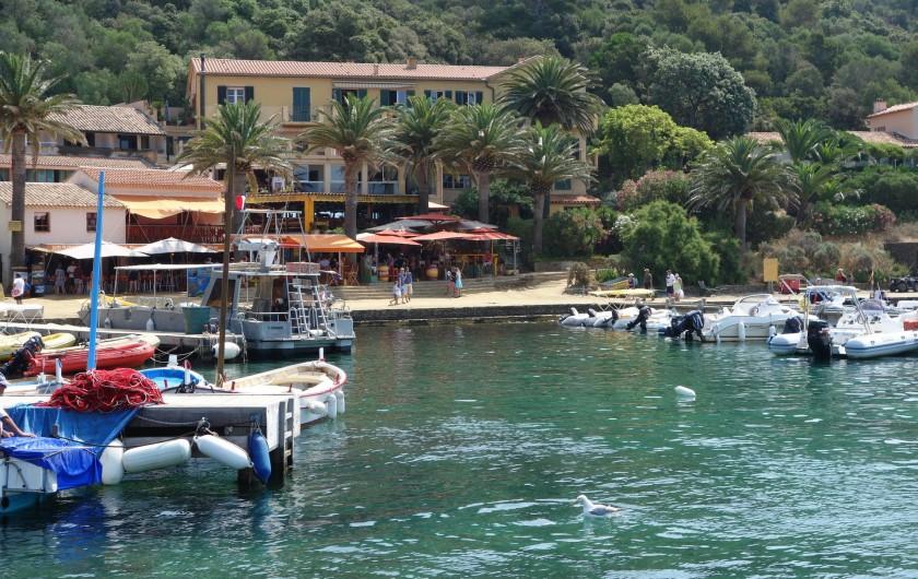 Location de vacances - Studio à Hyères - Ile de Port-Cros Copyright Hyères-Tourisme