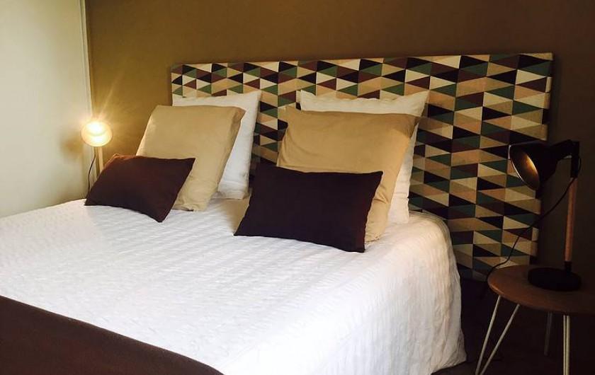 """Location de vacances - Villa à Sauvelade - Chambre double  """" Soyez créatif """""""