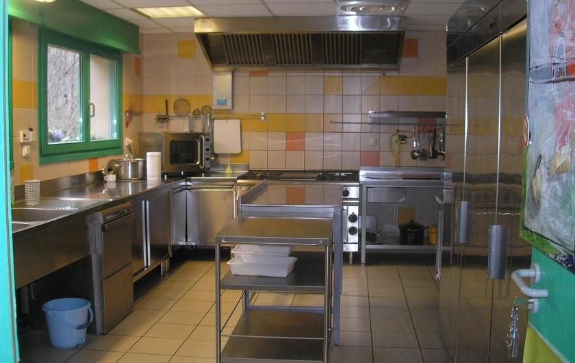 Location de vacances - Maison - Villa à Sainte-Marie-aux-Mines - grande cuisine professionnelle bien équipée