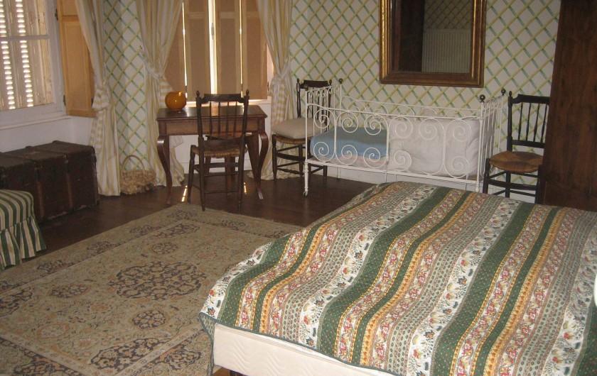 Location de vacances - Château - Manoir à Saint-Denis-de-l'Hôtel - chambre  SO