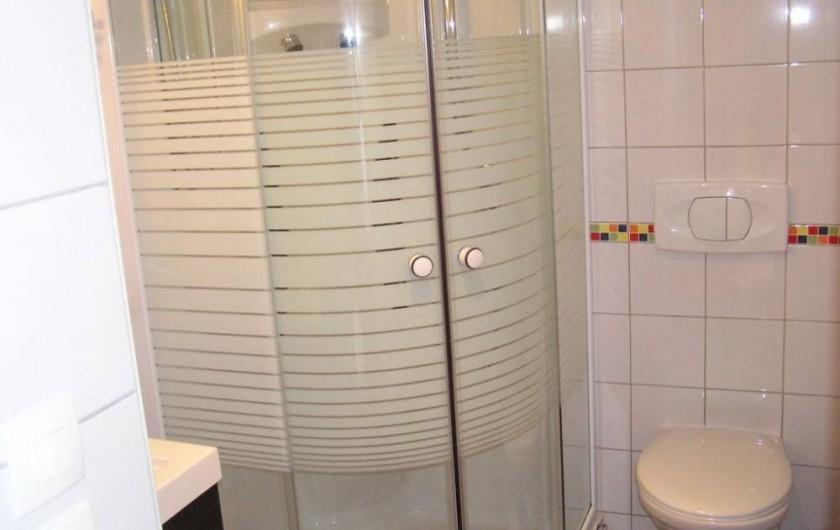 Location de vacances - Maison - Villa à Roscoff - Salle d'eau à l'étage