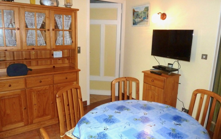 Location de vacances - Villa à Antibes - Le living- salle à manger.