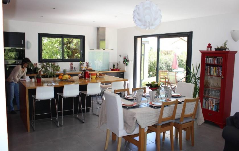 Location de vacances - Villa à Aubenas - séjour, cuisine