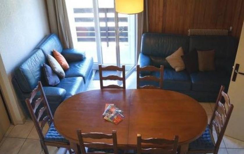 Location de vacances - Appartement à Les Angles - Pièce de vie ouvrant sur le balcon