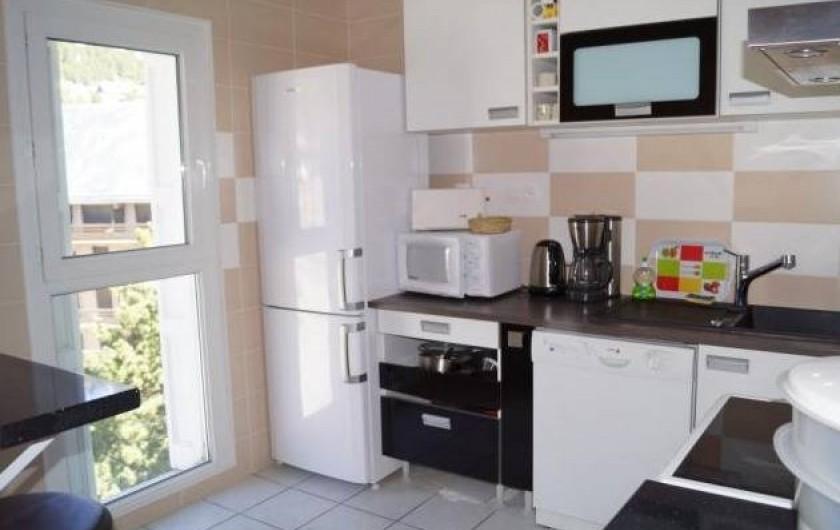 Location de vacances - Appartement à Les Angles - Cuisine bien équipée