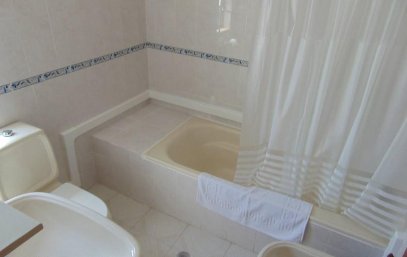 Location de vacances - Villa à Albufeira - Salle de bain ( Suite)