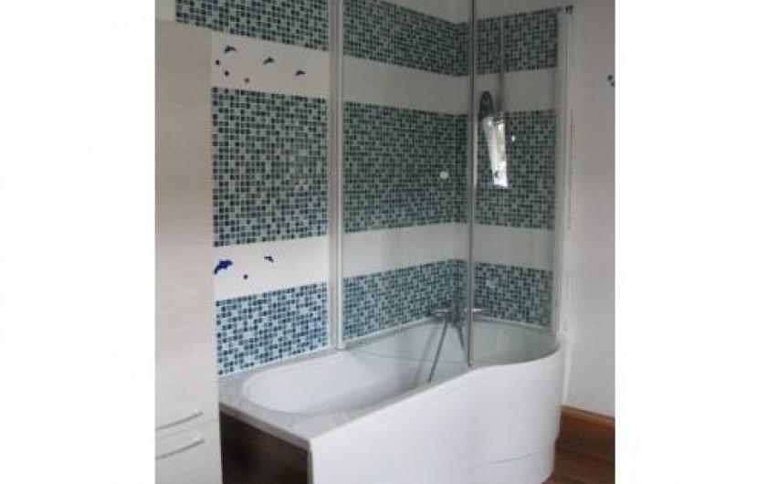 Location de vacances - Chalet à La Bresse - Salle de bain de l'étage /  Le Chalet Vert /  La Bresse