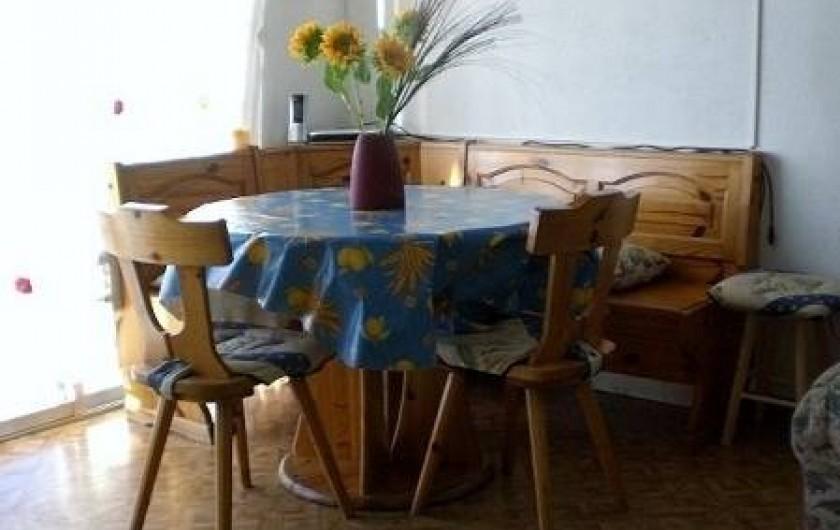 Location de vacances - Appartement à Juan les Pins - Coin a manger