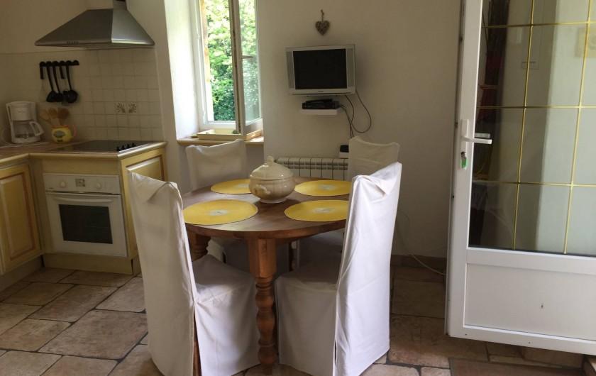 Location de vacances - Gîte à Saint-Jean-de-Valériscle - Gîte Le Soleil du Sud, espace repas