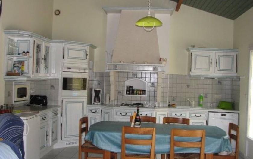 Location de vacances - Villa à Saint-Michel-Chef-Chef - cuisine ouverte sur salle a manger