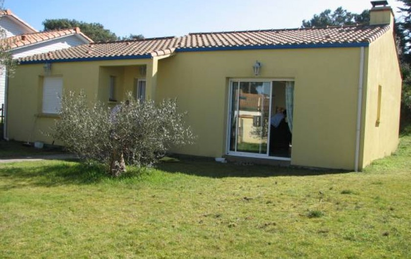 Location de vacances - Villa à Saint-Michel-Chef-Chef - TERRASSE PELOUSE DEVANT LA MAISON