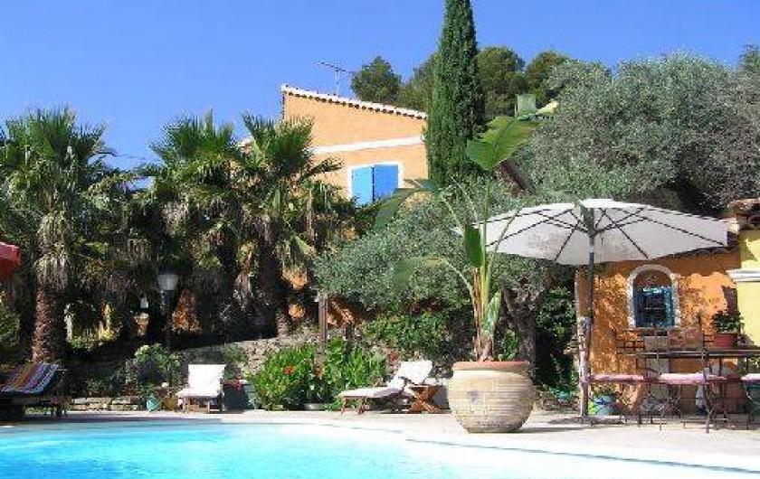Villa dans la campagne proven ale avec piscine 15mn des for Piscine sollies pont