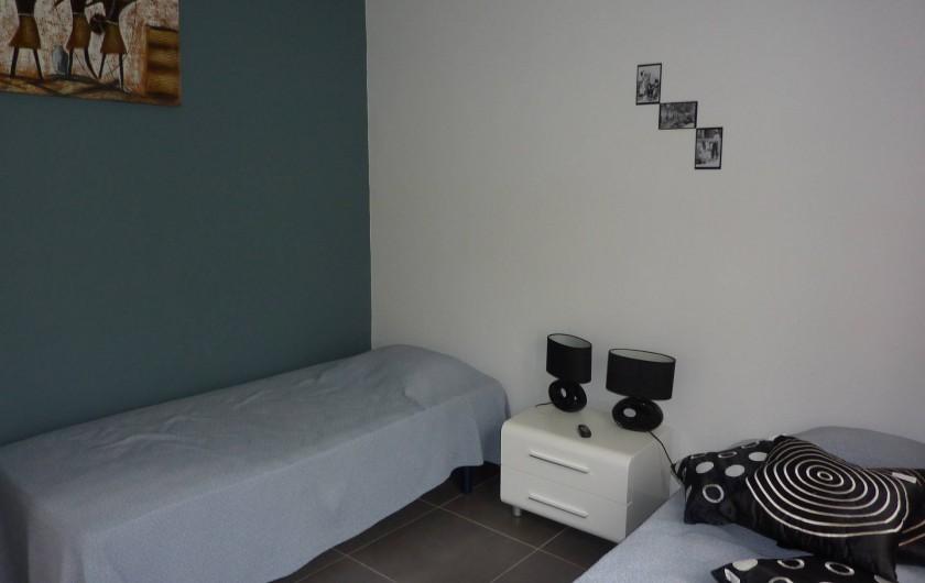 Location de vacances - Villa à Saint-François - chambre N° 1 PLACARD 3 VANTAUX