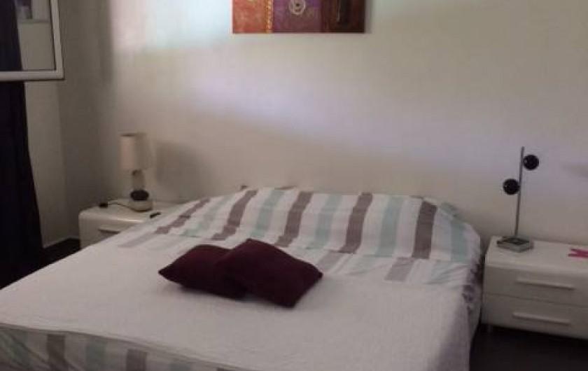 Location de vacances - Villa à Saint-François - CHAMBRE N° 2 PLACARD  3 VANTAUX