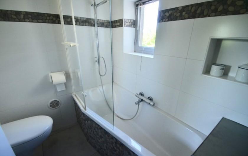 Location de vacances - Gîte à Malauzat - Salle de bain Verlaine