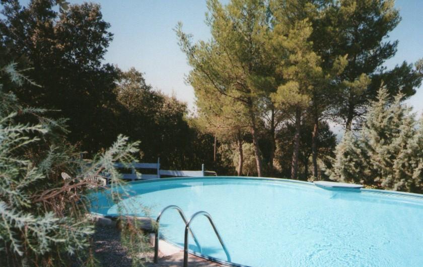 Location de vacances - Roulotte à Aniane - piscine