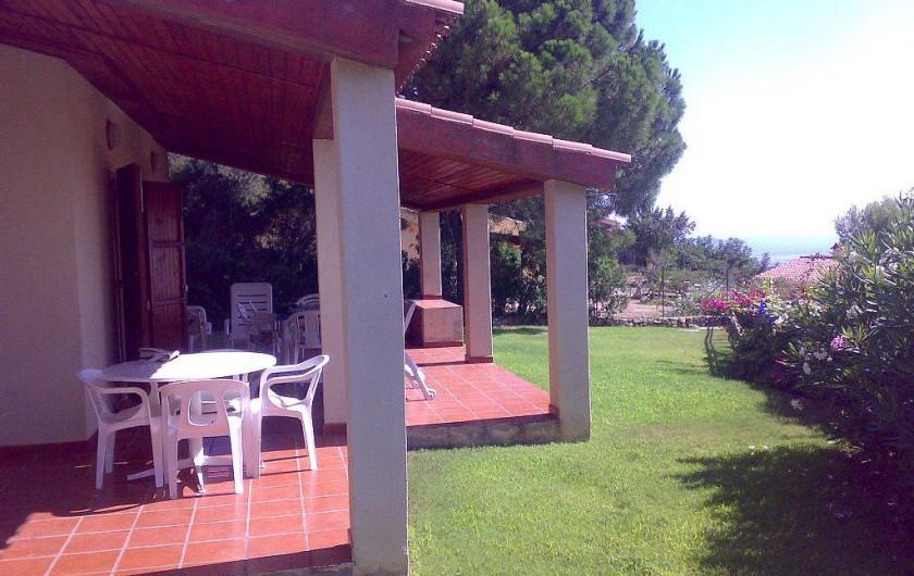 Location de vacances - Villa à Costa Rei - Veranda - pelouse