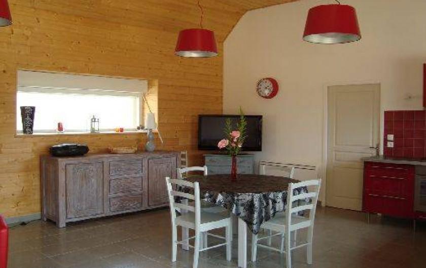 Location de vacances - Gîte à Brélès - Un grand écran télé .
