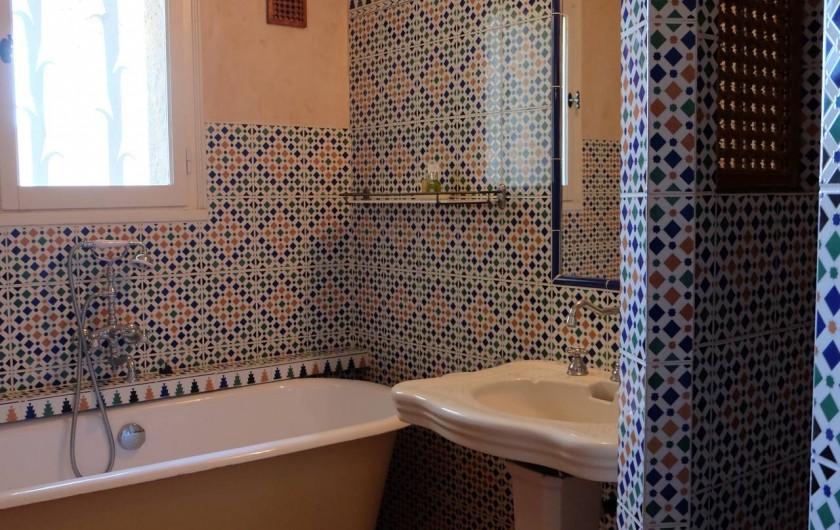 Location de vacances - Mas à Assas - Salle de bain style marocain