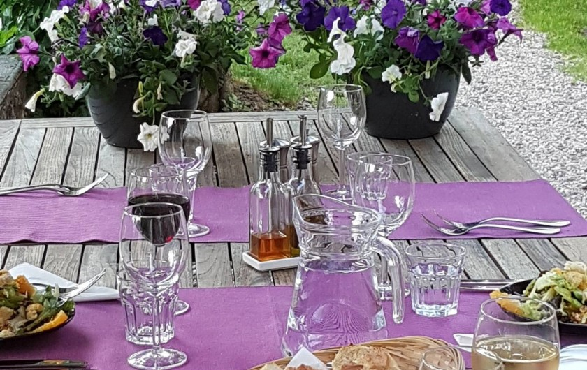 Location de vacances - Chalet à Vaujany - Dinner in the garden