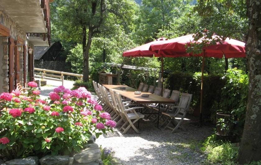 Location de vacances - Chalet à Vaujany - Garden in summer