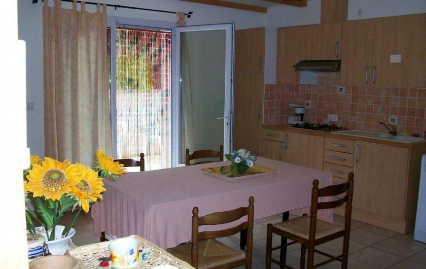 Location de vacances - Appartement à Eyguières