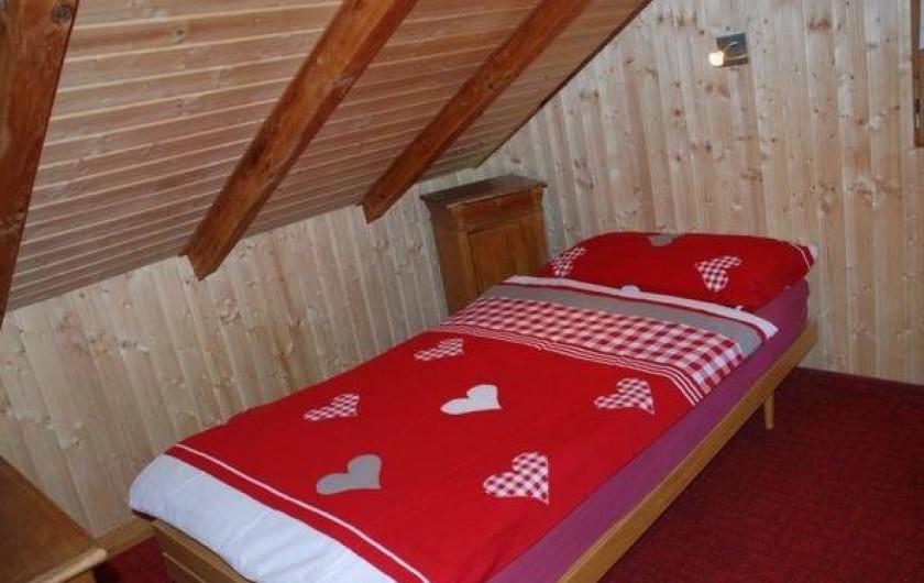 Location de vacances - Chalet à Fontaines - Chambre simple lit