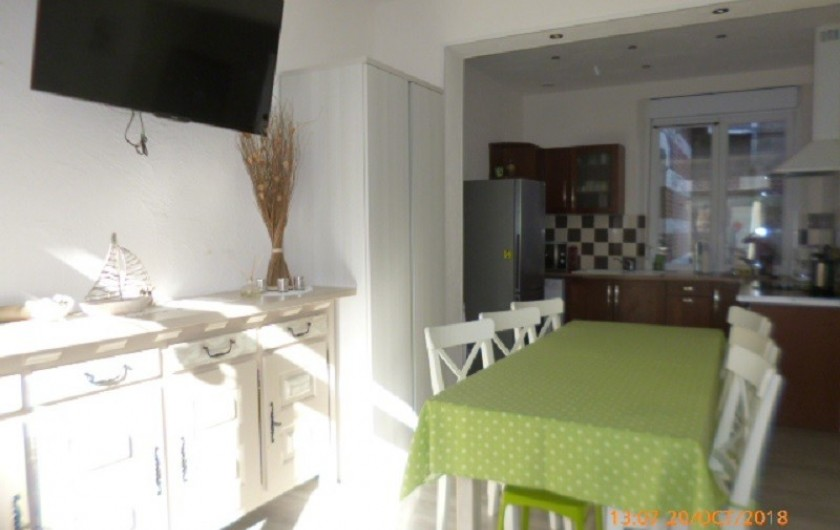 Location de vacances - Appartement à Berck - séjour ouvert sur cuisine intégrée