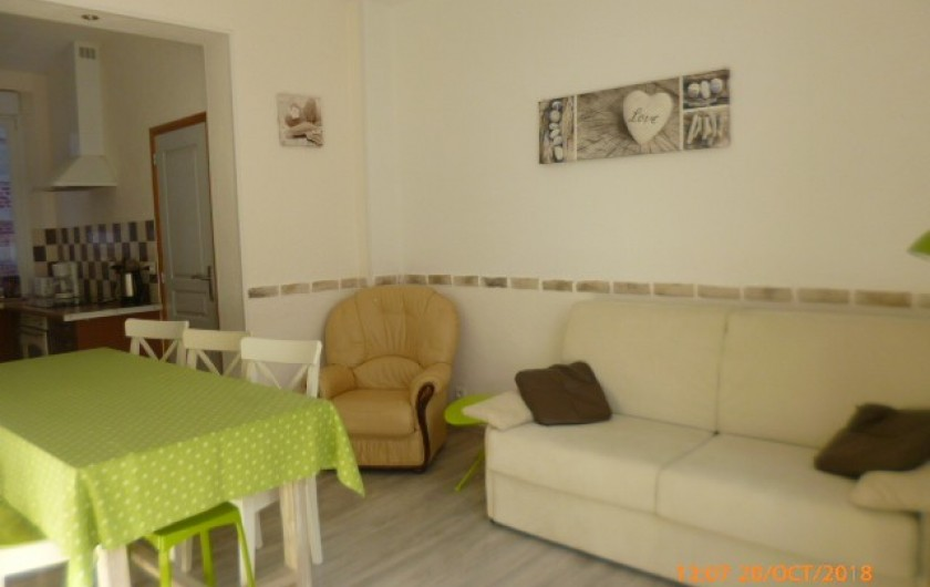 Location de vacances - Appartement à Berck - plaque vitro, four traditionnel, Hotte d'aspiration, cafetière, grille pain ...
