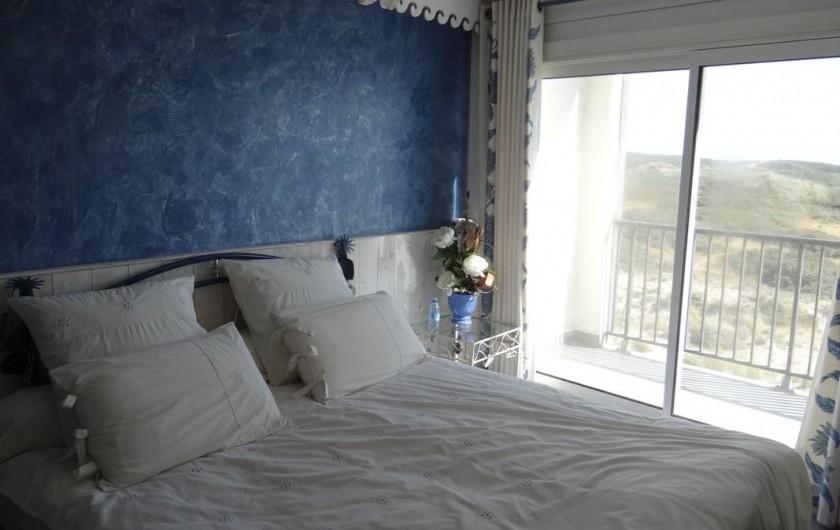 Location de vacances - Appartement à Fort-Mahon-Plage - Vue encore plus belle que du salon. Lit de 160X200. Grande TV