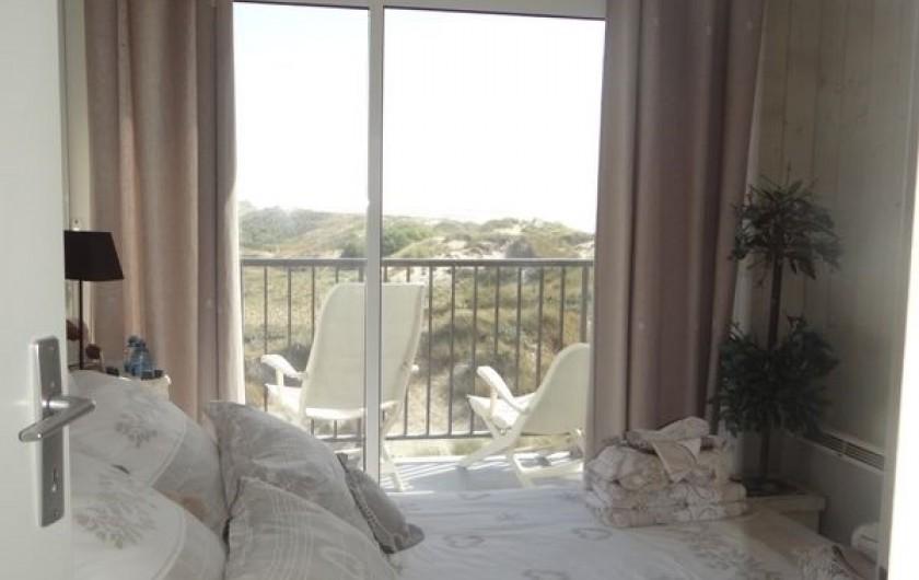 Location de vacances - Appartement à Fort-Mahon-Plage - Même vue. Lit de 140X190. Petite TV