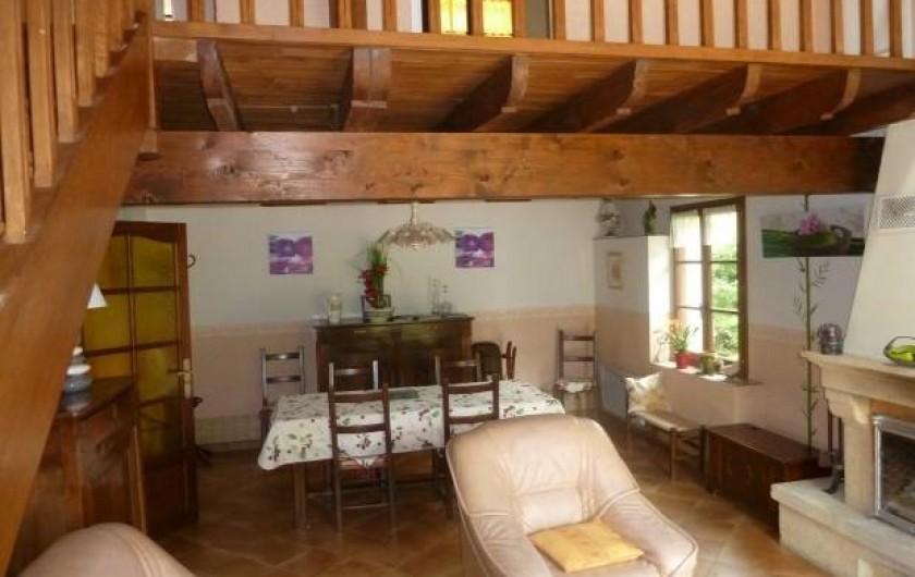Location de vacances - Gîte à Terrasson-Lavilledieu - SEJOUR