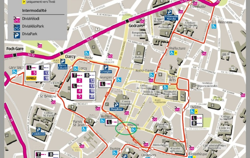 Location de vacances - Appartement à Dijon - Navette gratuite au pied de l'appartement (50m), parcours en centre historique