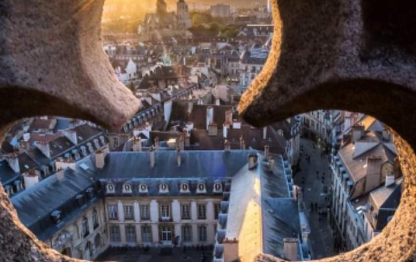 Location de vacances - Appartement à Dijon - Dijon centre : Vue depuis la tour Philippe Le Bon