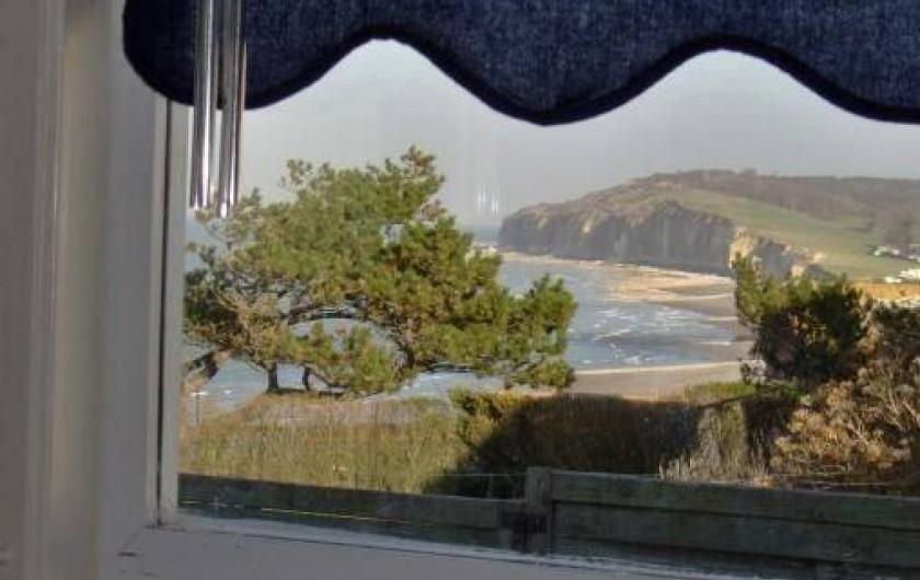 Location de vacances - Maison - Villa à Quiberville - Vue sur les falaises depuis la salle à manger
