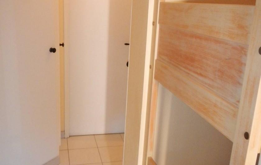 Location de vacances - Appartement à Hyères - chambre enfants