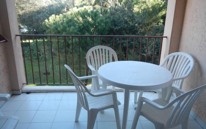 Location de vacances - Appartement à Hyères - balcon